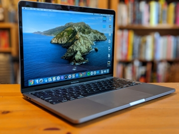 2. Apple MacBook Pro - cel mai bun laptop Apple