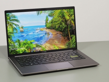 5. Asus VivoBook S14 S435 - cel mai bun ultrabook