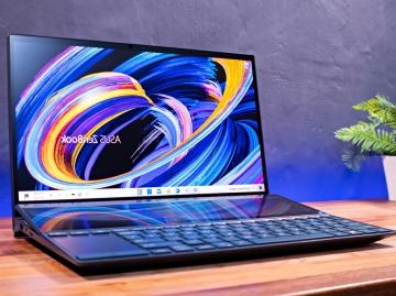 10. Asus ZenBook Duo 14 (UX482) - cel mai bun laptop cu două ecrane